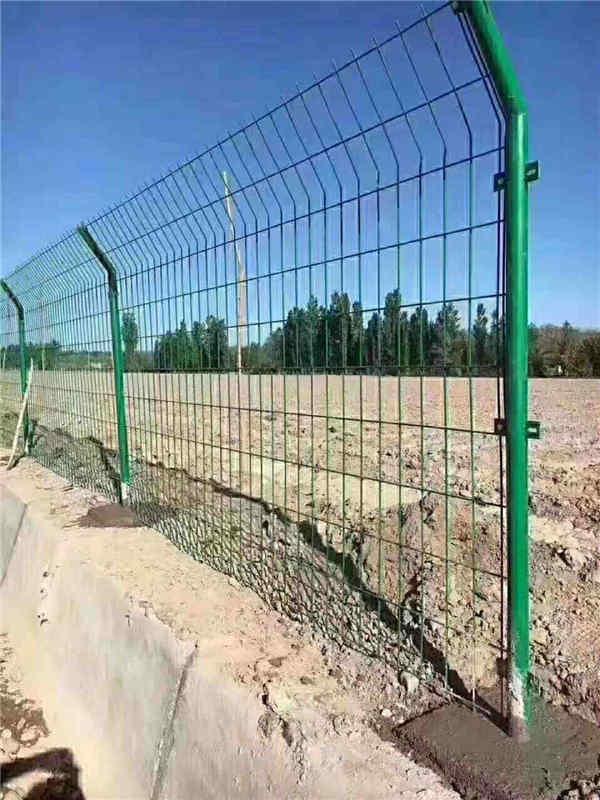 山林水库隔离网