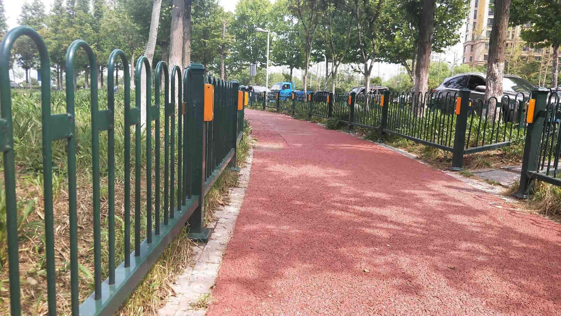 """""""公园护栏"""